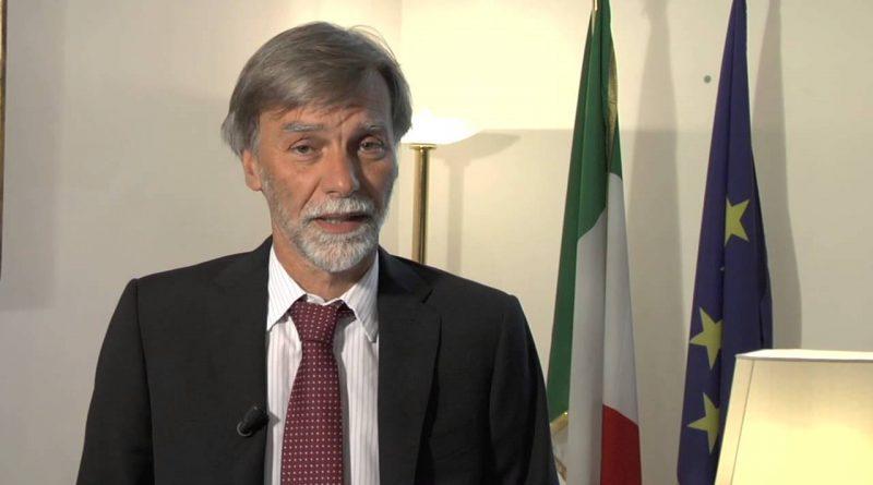 """Storia di un """"grande politico"""" del PD Graziano Delrio che porta molta sfortuna agli italiani."""