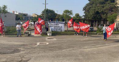 sit-in di protesta del 14 Settembre 2021 in Regione Puglia a Lecce.